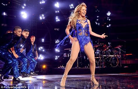 All New J Lo For American Idol Ratings by Flashes The Flesh For American Idol Finale