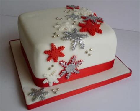 easy christmas cake decorating ideas keeping cakes simple 4 manchester