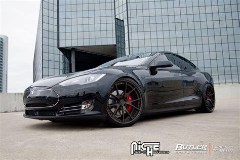 Tesla Model S custom wheels Niche Stüttgart 22x, ET 30, tire size / R22. 22x ET 35