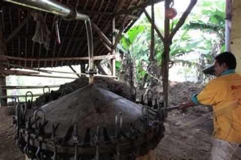 Minyak Atsiri Akar Wangi indonesia 10 besar produsen atsiri dunia antara news