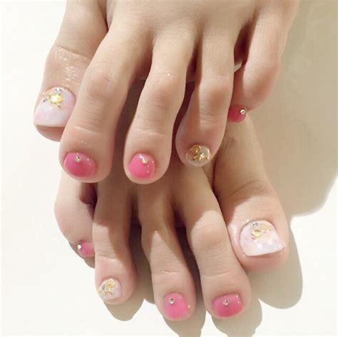 anri sugiharas feet