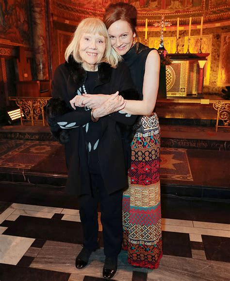 game of thrones actress rigg game of thrones diana rigg on recent near death ordeal