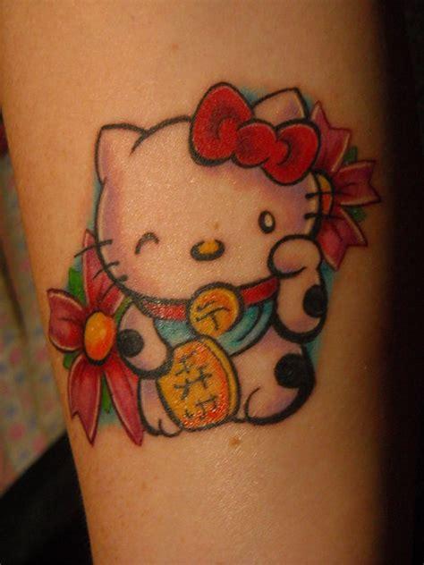 new school hello kitty tattoo hello kitty maneki neko kawaii tattoo hawaii kawaii blog