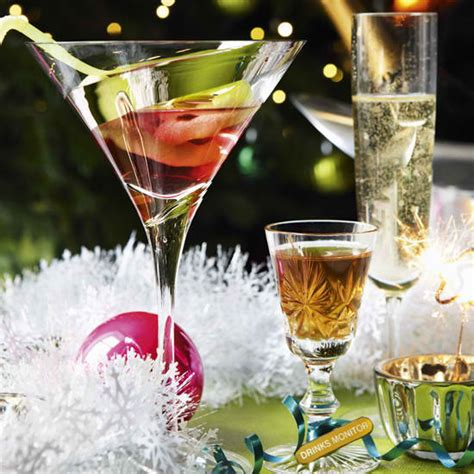 christmas liquor cocktails drinks xmaspin