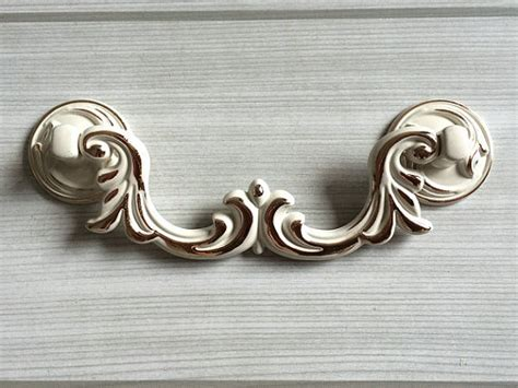 4 Drawer Pulls by 3 75 4 25 Dresser Pulls Drawer Pull Handles White By Lynnshardware