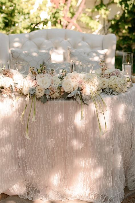 25  best ideas about Sweetheart Table on Pinterest
