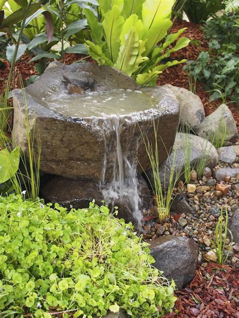water fountains for small backyards water feature in the garden jouw pins voor tuinen nl