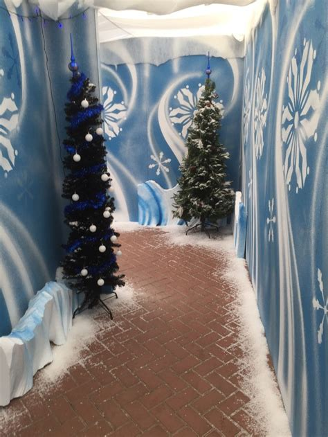 winter hallway decorations 17 best ideas about parade floats on float ideas land