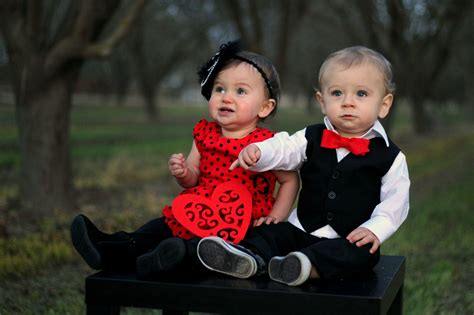 kid couple wallpaper hd 12 insanely cute photos of babies in love weddbook