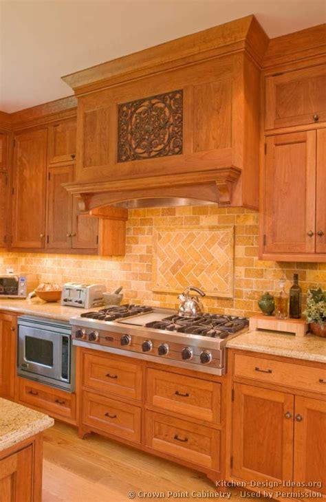 Wood Kitchen Backsplash Pictures Of Kitchens Traditional Light Wood Kitchen Cabinets Kitchen 134