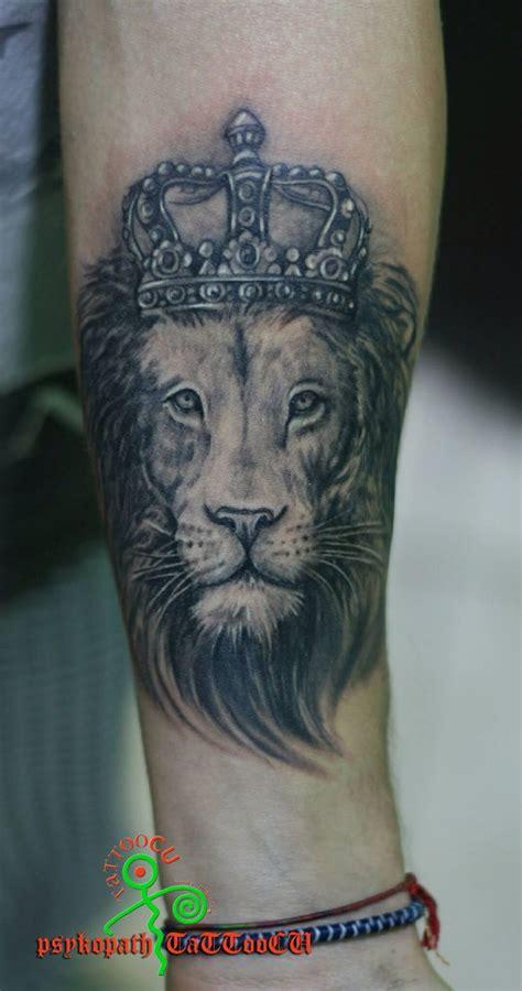 thigh tattoo process 25 best ideas about lion thigh tattoo on pinterest