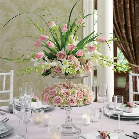 Julia S Tall Wedding Centerpieces Julias Events How To Make Floral Wedding Centerpieces