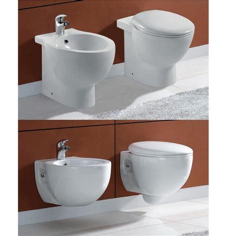 bagno con sanitari sospesi sanitari bagno sanitari sospesi o a terra wc e bidet con