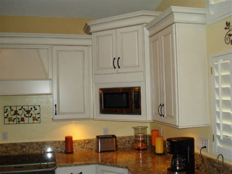 microwave in corner cabinet the corner microwave cabinet how are the uppers