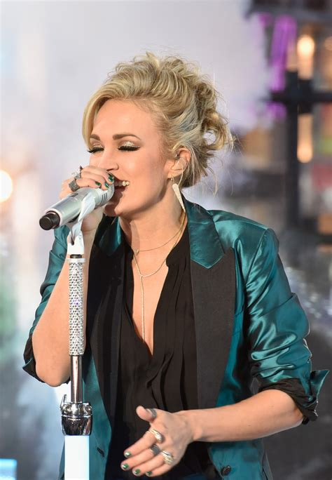 new year underwood carrie underwood photos photos new year s 2016 in