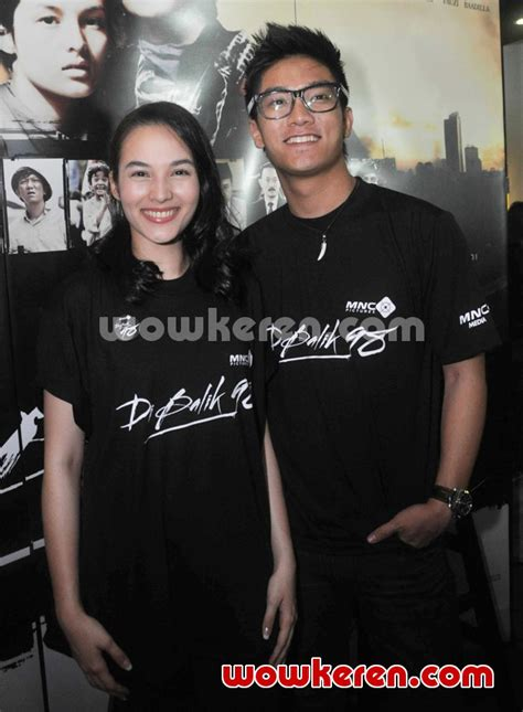 chelsea islan film dibalik 98 foto chelsea islan dan boy william di jumpa pers film