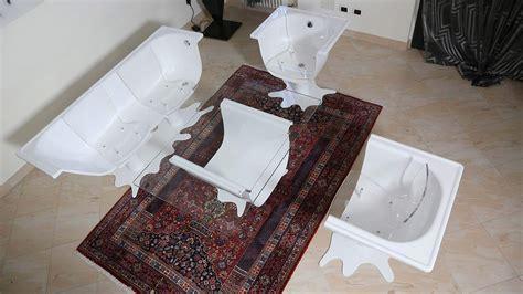 oggetti strani per la casa oggetti strani per la casa una vasca da bagno in salotto