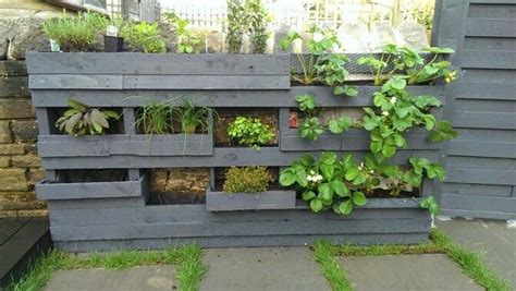 How To Make A Garden Planter by Charming Pallet Wall Planters Recycled Things