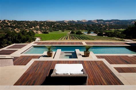 terrasse mit pool terrasse aus holz so gestalten sie den au 223 enbereich