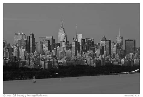 new york city skyline wallpaper black and white city skyline wallpaper black and white lotterux