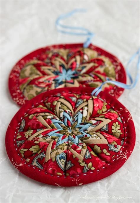 fabric crafts decorations best 20 folded fabric ornaments ideas on