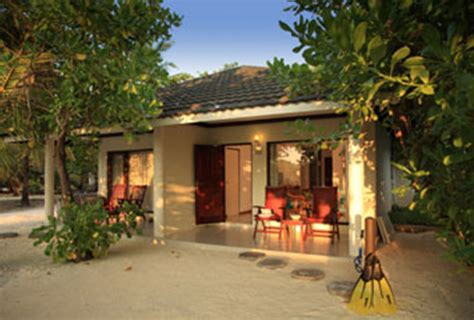 paradise resort maldives superior bungalow paradise island resort spa lets go maldives