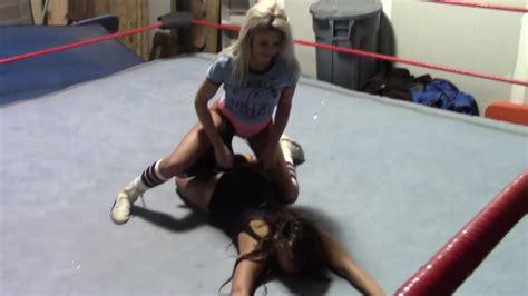 Free ultimate women s wrestling videos