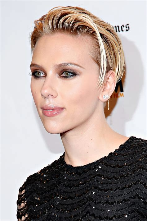 most memorable hair moments of 2014 scarlett johansson scarlett johansson new short hair hairstyle gallery
