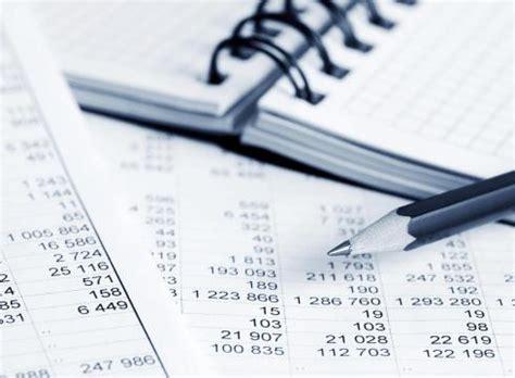 Laporan Keuangan Perusahaan Membaca Memahami Dan Menganalisis laporan analisa keuangan informasi di indonesia
