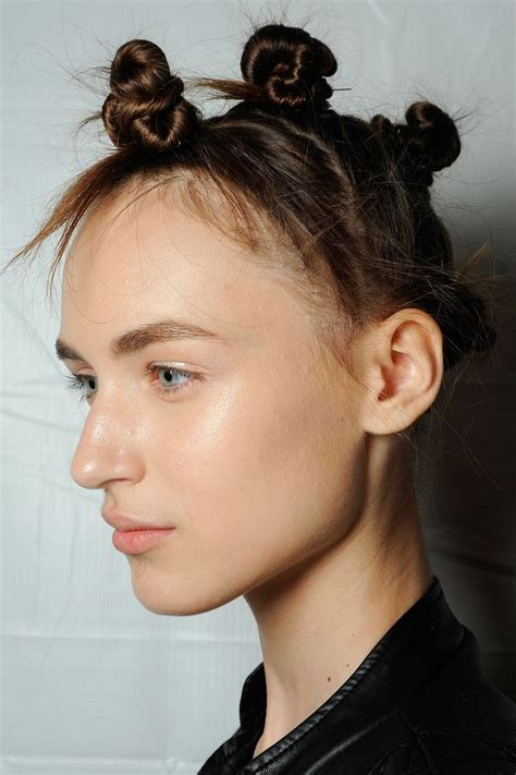marc jacobs haircuts why people like marc jacobs can never claim bantu knots as