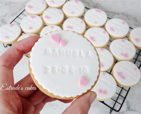 como decorar cupcakes para bautizo estrade s cakes galletas de recordatorio para un bautizo
