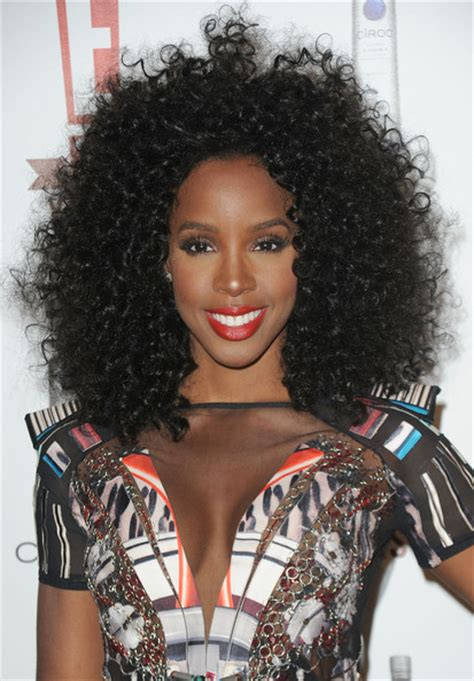 curly hairstyles kelly rowland kelly rowland textured curly hairstyle thirstyroots com