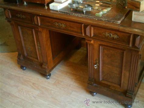 mesas de escritorio antiguas mesa de despacho en madera de nogal antigua comprar