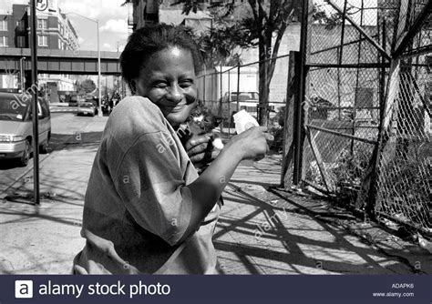 Addict In The News Addict by Addict With Kitten In Harlem New York City Stock