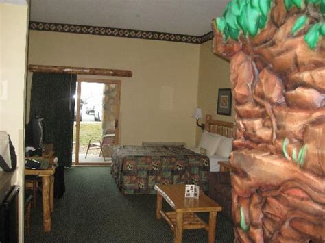 wolf den room great wolf lodge wolf s den suite picture of great wolf lodge kansas city