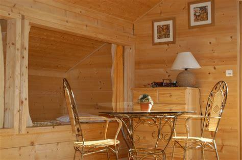 Lit Alcove Bois by Gite Des Adrets 233 Tage 2 Chambres Et Mezzanine Avec Alc 244 Ves