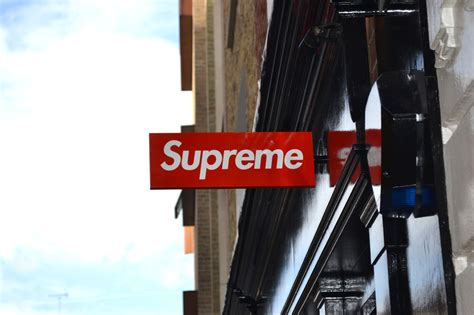 supreme shop ouverture d un supreme store 224 sneakers addict