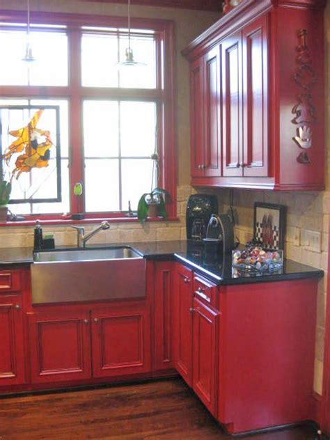 Red Painted Kitchen Cabinets by Emperor S Silk Chalk Paint Lady Butterbug