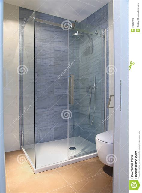 doccia moderna doccia moderna fotografia stock immagine di moderno