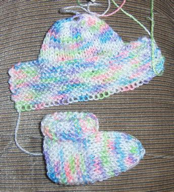 how to knit baby booties baby booties knitting pattern free easy