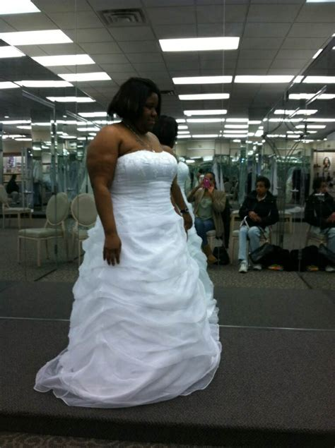 Wedding Dress For Big Arms by What Is A To Do With Big Arms Weddingbee