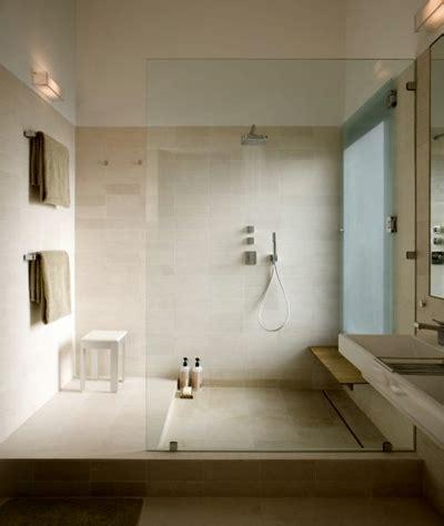quanto costa un piatto doccia quanto costa un piatto doccia boiserie in ceramica per bagno