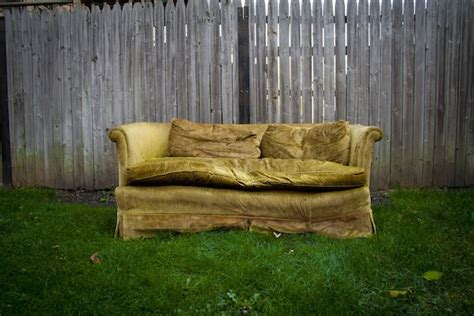 where to take an old couch want to feng shui your home here s 9 tips for how to do