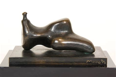 henry reclining figure small bronze