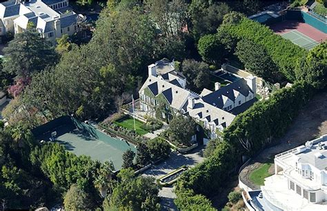 tom cruise house tom cruise lists beverly hills mansion for 50 million
