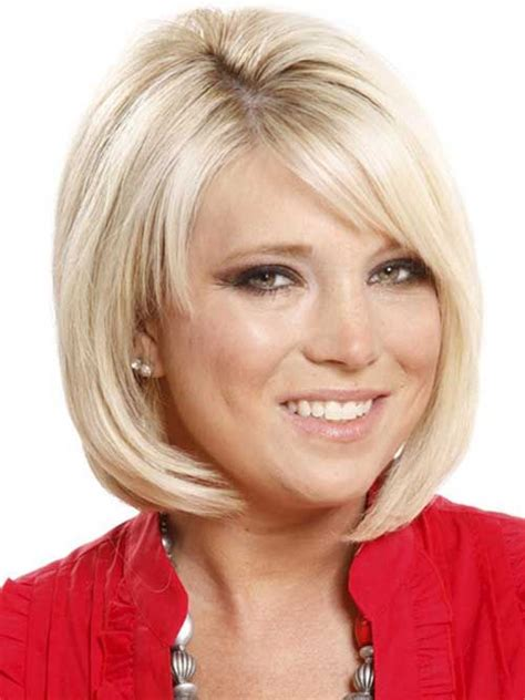 ladies choppy hairstyles with a fringe short bob with side fringe short bob haircuts