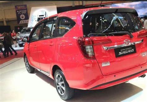 Daihatsu Sigra 1 2 A T X Deluxe Mobil Otr Semarang 36 mobilwow spesifikasi dan harga daihatsu sigra type r