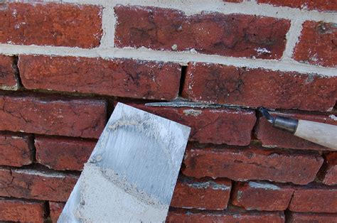 masonry restoration brick repointed with lime putty mortar