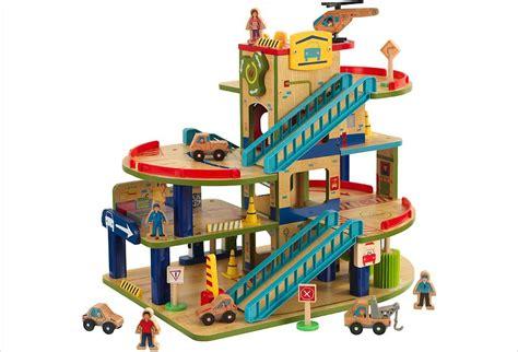 garage en bois pour petites voitures d enfant jouet hape