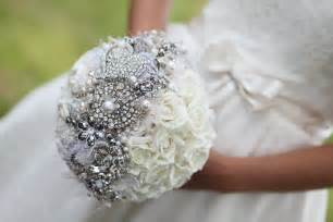 brides bouquet 5 bejeweled bridal bouquets